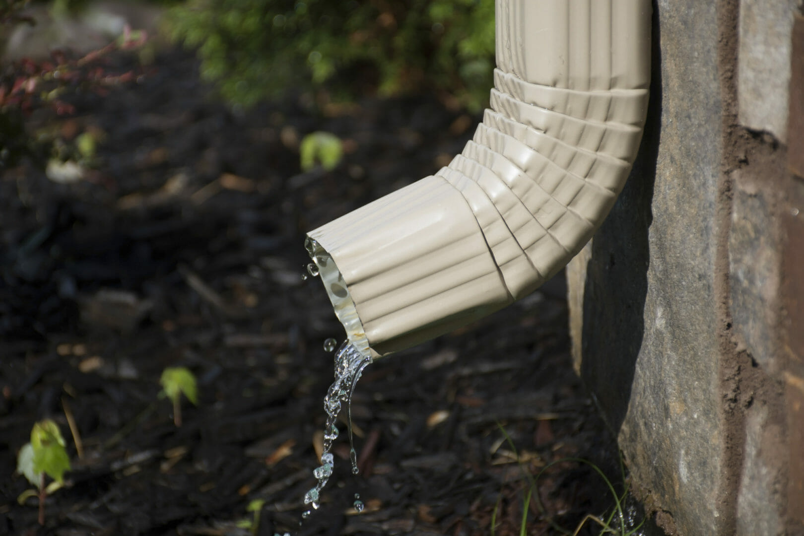 What You Need to Know When Buying Rain Gutters for Your House
